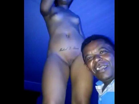 Image Stripper feito no bar da Tigresa com dança funk e internacional
