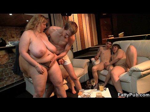 Festinha Com Sexo Grupal Só Com Gordinhas