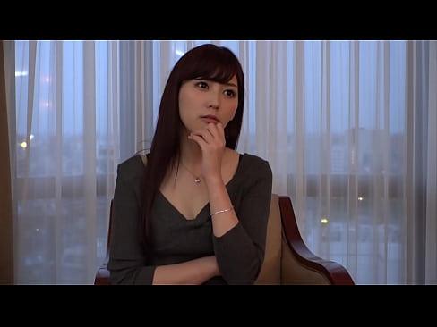 【無料エロ動画】身体抜群な網タイツ着衣のスマート美女をハメる