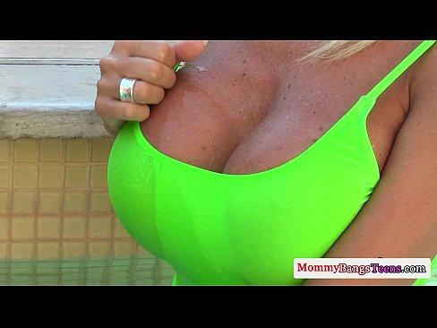 http://img-l3.xvideos.com/videos/thumbslll/d5/5d/69/d55d69f46a27e581a442b6819ca489ec/d55d69f46a27e581a442b6819ca489ec.7.jpg