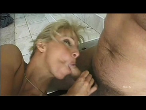 Double penetration for a cute blonde