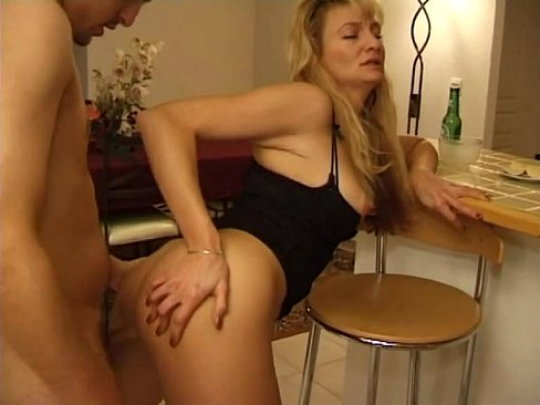 Ебет маму в онал на кухне смотреть онлайн фото 37-811