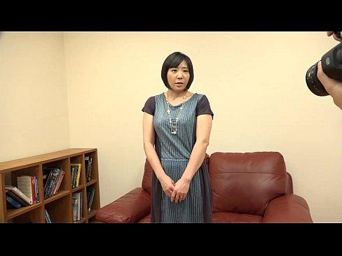 素人動画:妖艶な雰囲気を...