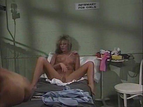 lesbiyanki-v-tyurme-smotret-video