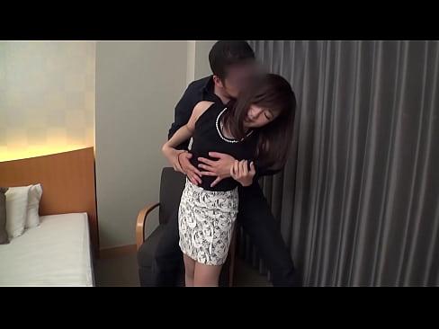 人妻の不倫無料jukujyo動画。超デカチンに感じまくる人妻!