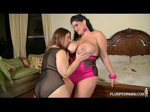Angelina Castro & Lexxxi Lockhart duas Lesbicas