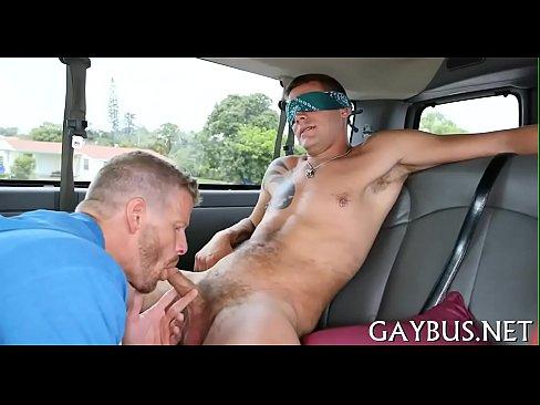 Ласти сделки с молодой гей