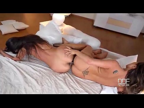 Absolutely Perfect Euro Babes Destroy A Double Dildo