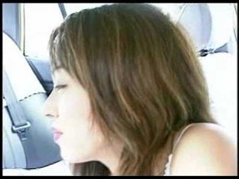 【レイプものの巨にゅう動画】20年前感が半端ない20年前の美女がタクシーで運転手を逆にレイプして淫乱痴女る