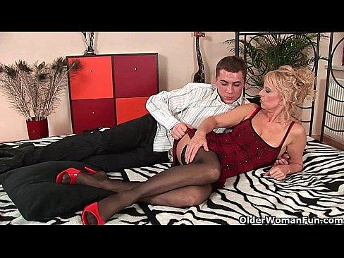 Порно простикутка в фуре фото 270-270