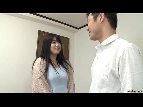 巨乳奥さんのとの三角関係がなんともエロいドラマ仕立てのエロ動画