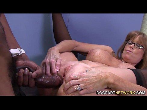 Sexo anal com uma grande rola preta