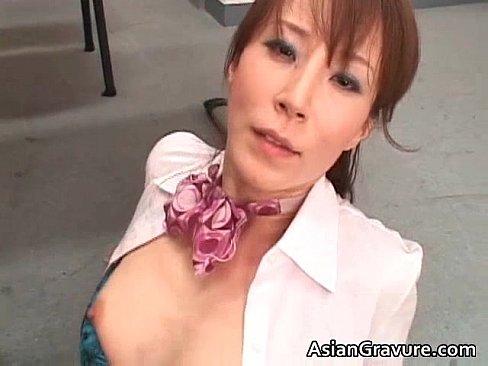 人妻の無料jyukujyo動画。人妻・熟女動画:美魔女がチ●コにまたがるエロ過ぎなエッチ