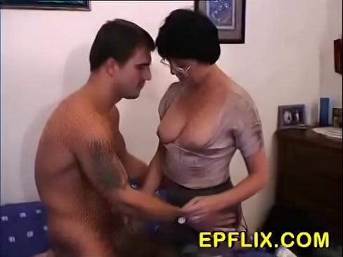 порно подсмотрела и дала