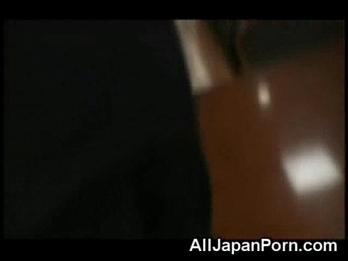【タイツ動画】派手な網タイツギャル社長はH好き?毎日社長室でセックス三昧