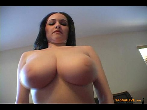 naked bouncing huge boobs