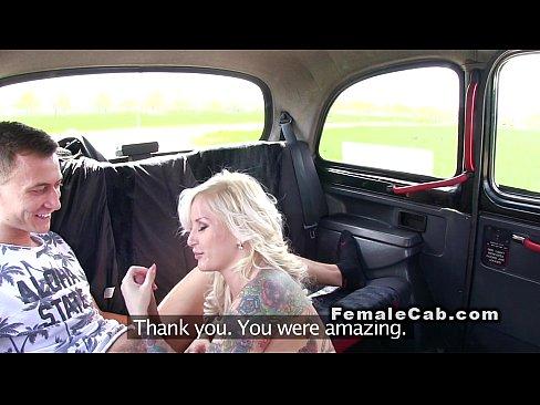 Blonda Luata La Ochazie Este Obligata De Taximetrist Sa Suga Pula