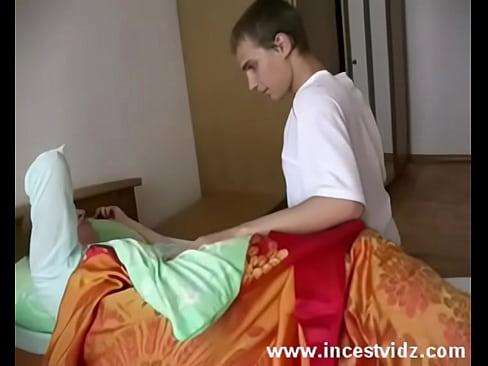 Беременной мама сина спальни сексскачат