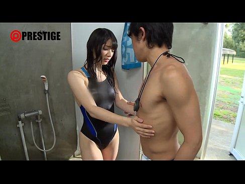 【JK動画】部活少女の健康的でエロい体に欲望を抑えきれずに手を出す男子たち