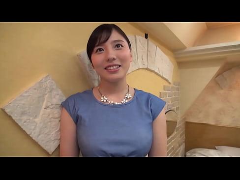 【不倫SEX動画】若い男とセレブ感漂う人妻のイケない関係!!