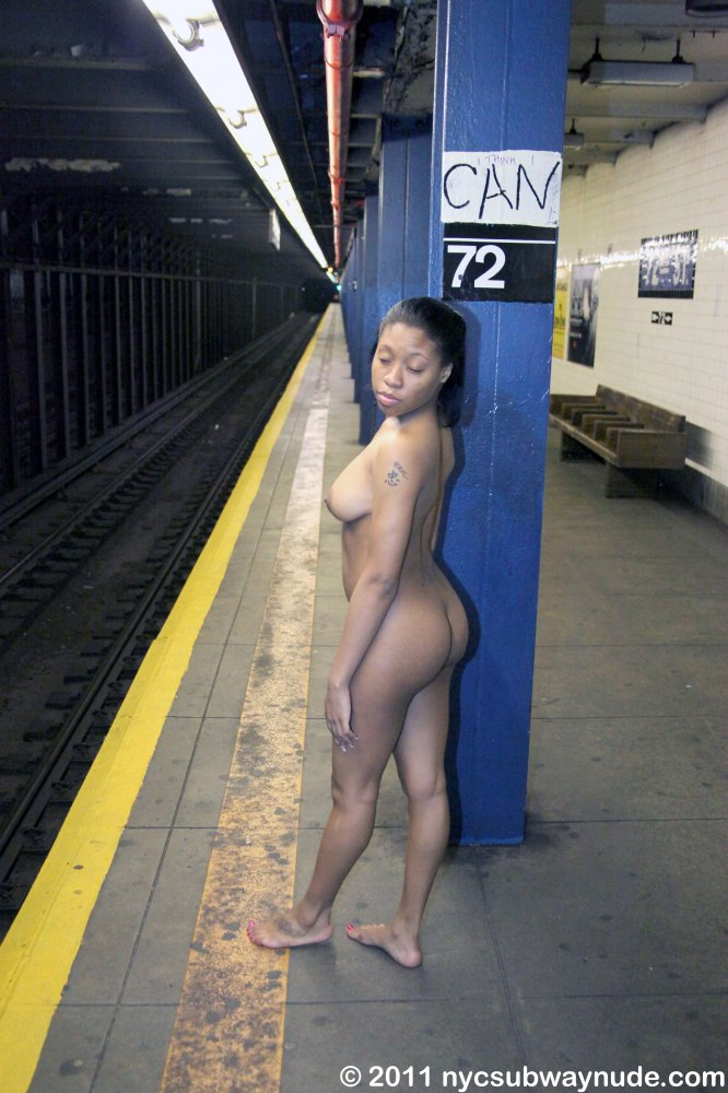 Superstar New York City Nude Photography Pictures