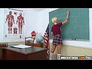 Colegial trasando com professor na aula de reforço