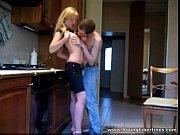 magrinha fogosa dando pro amante bem dotado na cozinha
