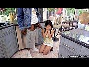 Chinita se asusta con negro malogrado