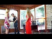 Três lésbicas excitantes fazendo putaria