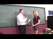 Estudante loira viciada em rola