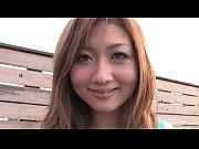 Asiática safada sendo masturbada pelo amigo