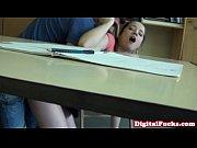 Morena safada trepando na escola