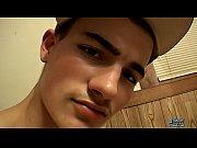 Novinho de 18 anos batendo um punheta gostosa