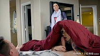 Brazzers - India Summer teaches step daughter h...