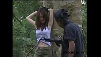 หญิงสาวโดนจับกลางป่าเขาแล้วโดนเอามาเย็ดแบบนี้อย่างโหด