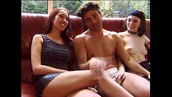 Порно молодые жопастые волосатые