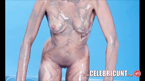 miley cyrus naked oiled