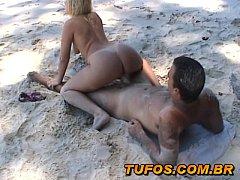 Τσιμπούκι, γλυφομούνι, γαμήσι και πισωκολλητό στην παραλία