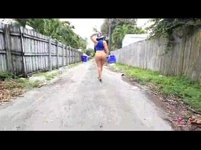 http://img-l3.xvideos.com/videos/thumbsll/05/24/17/052417d606c3fc4420a1eafd8f2b36cf/052417d606c3fc4420a1eafd8f2b36cf.6.jpg