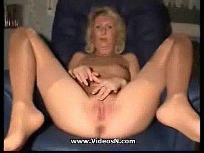 Mamá a jugar con ella