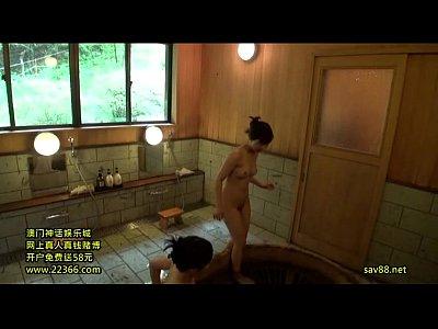 熟れた肌が濡れる素人熟女の貸切風呂を盗撮