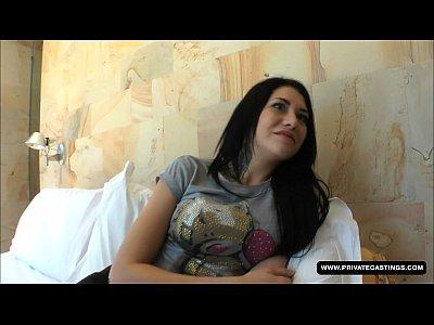 Adolescente erika bellucci tiene un hardcore anal casting...