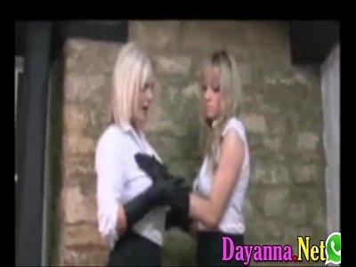 Cachondas nalgonas se follan bien sabroso pervertidas lesbianas calientes adolescentes