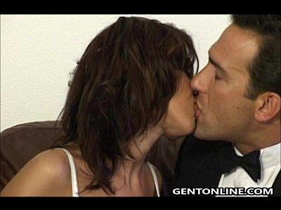 Mulher madura deliciosa fazendo sexo anal