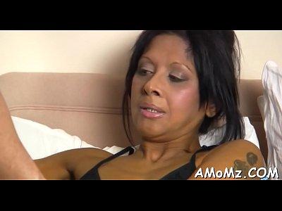 Mama anhela para la insondable penetración