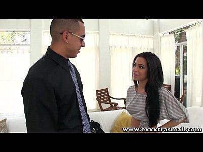 Exxxtrasmall sexy petite latina adolescente follada en su casa