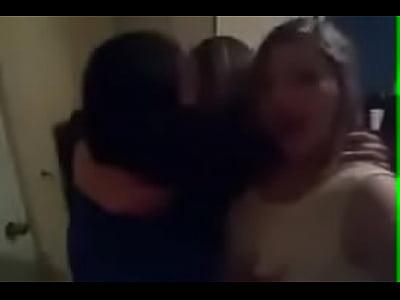morritas lesbianas fajando mientras las agarrar