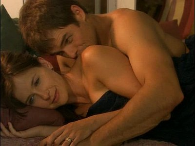 kellie martin nipples