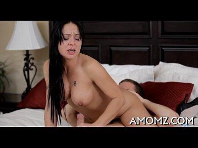 sensual mama follada por un chico hawt