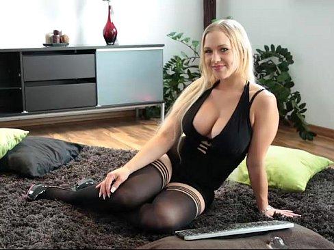 http://img-l3.xvideos.com/videos/thumbslll/02/11/98/021198afa152da570d4f8728e101a85a/021198afa152da570d4f8728e101a85a.1.jpg